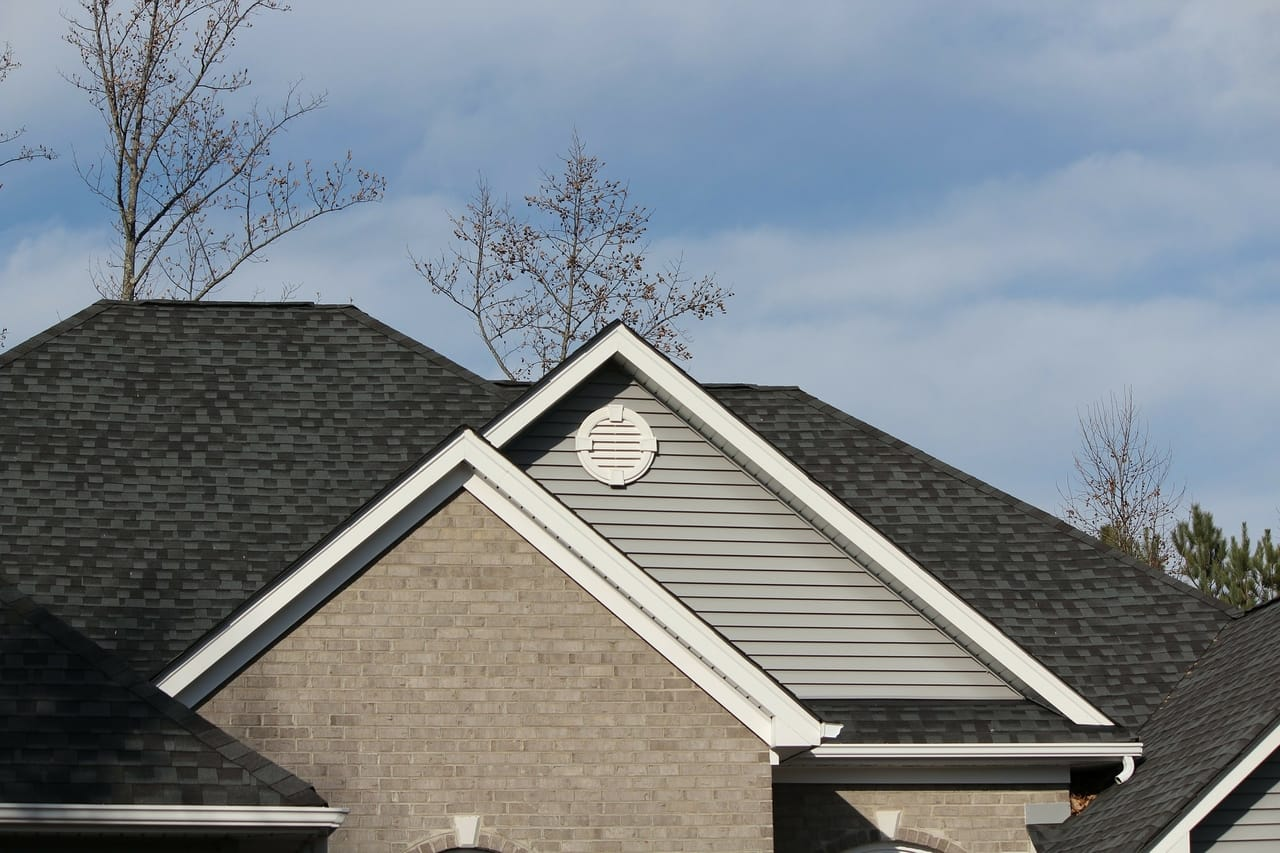 house-roofline-shingles