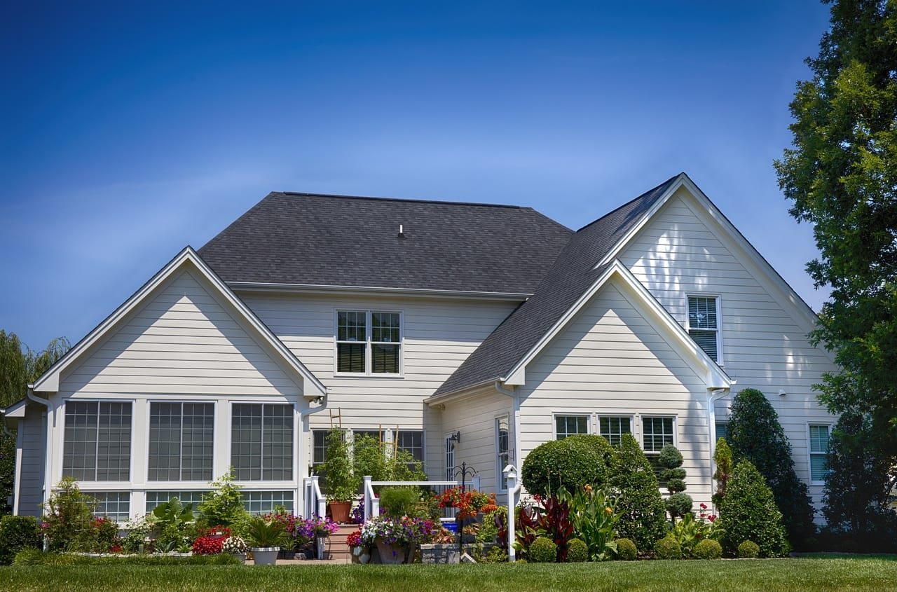 white-house-backyard