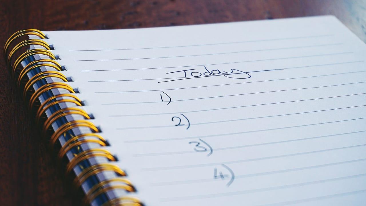 checklist-in-notebook